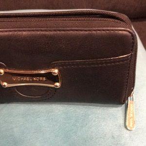 Michael Kors Black/Gold Wallet/phone Wristlet
